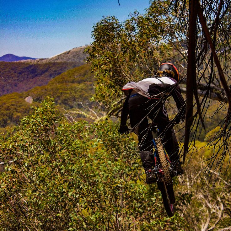 Great weekend at round 4 of the Victorian Downhill Series at Mount Buller. #MountBuller #MTB #Victoria #besomebody #canonaustralia #canon_photos #follow#bike #outdoors #activelife #fit#sports #athletes#mtblife#canon#downhillmtb#canon_official #canonphotography #moutainbike #freeride #downhill#MTBA #looseriders#looseridersvictoria #Enduro #dh #vdhs #mountainbiking #Downhillbike #bikebuller