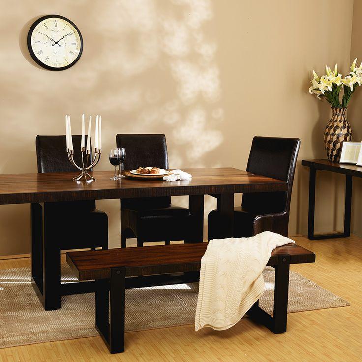 Bancheta Westbrook este ideală pentru mobilarea bucătăriei sau diningului. Acesta este realizată din lemn masiv de mahon.