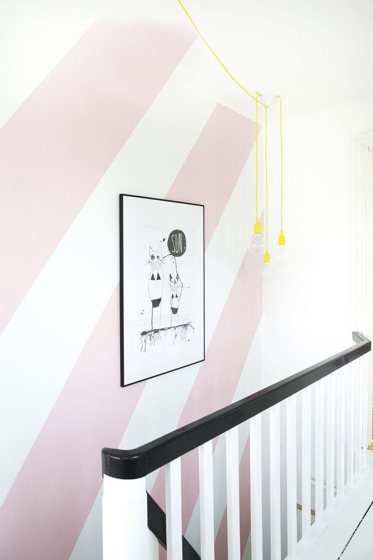 Kant, karakter og personlighed. Disse ord beskriver allerbedst de farverige boliger, som du kan finde her. Gå på opdagelse og få inspiration til, hvordan du kan indrette med farver.