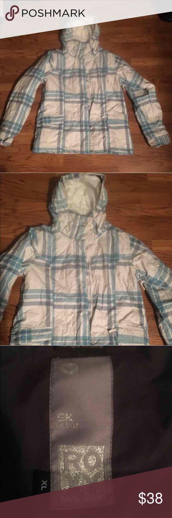 Plaid blue & white snowboarding jacket Roxy 5k silver jacket. Girls size xl or women's size medium Roxy Jackets & Coats