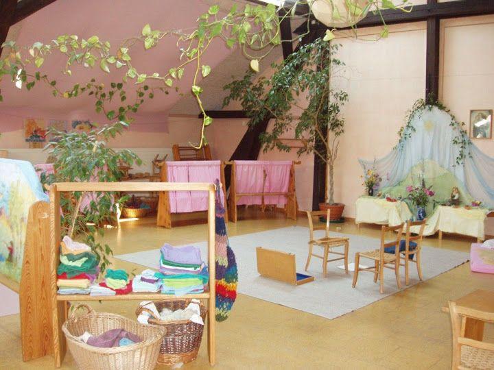 Waldorfkindergarten im bauwagen im kindergarten t for Raumgestaltung waldorfkindergarten