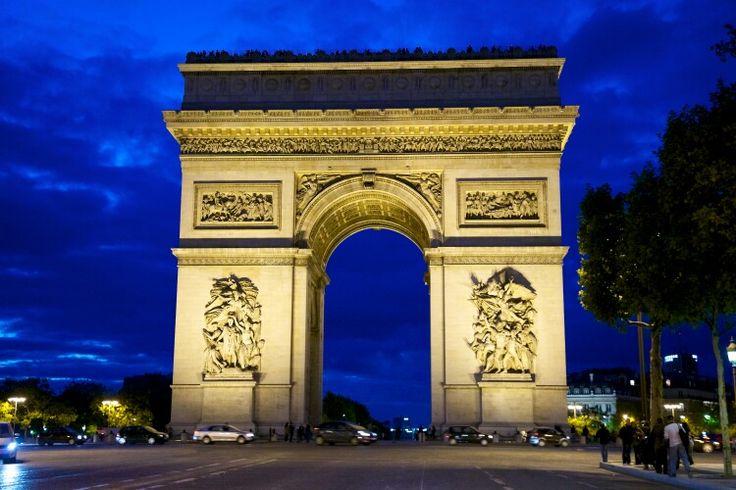 L'Arc de Triumph... possible entryway decoration