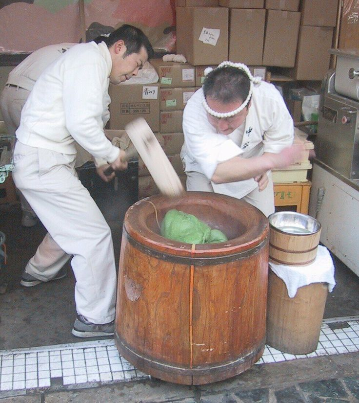 Steamed and Pounded Glutinous Rice / 餅搗き [ Mochi Tsuki ] .jpg