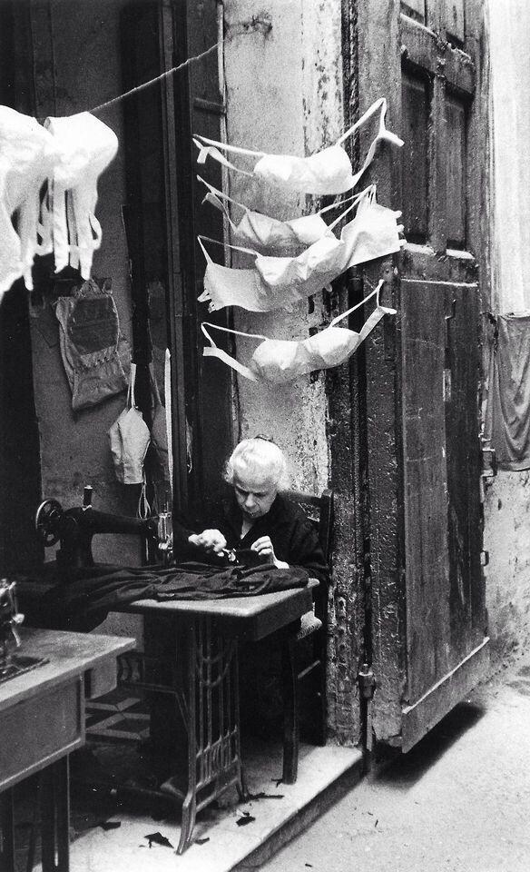 Italy. Naples, 1957 // David Chim Seymour