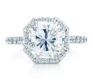 Lucida Diamond Engagement Ring