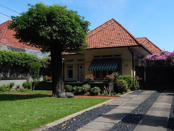 Rumah apik di Jl. Raya Diponegoro - Surabaya. Via Yudi Yulianto (Fb Surabaya Tempo Dulu)