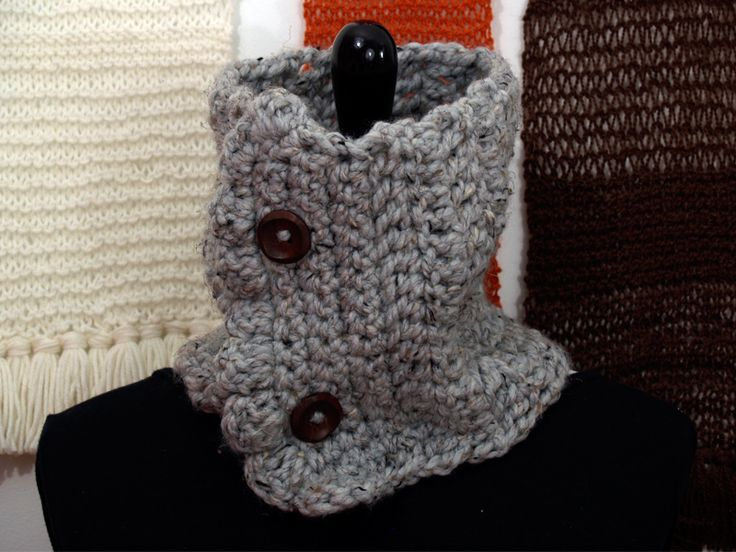 """Make sure you grab this small but mighty neck cowl on those days where you just don't know where the weather is going. MEASUREMENTS:56 cm (22"""") in circumference  23 cm (9""""..."""