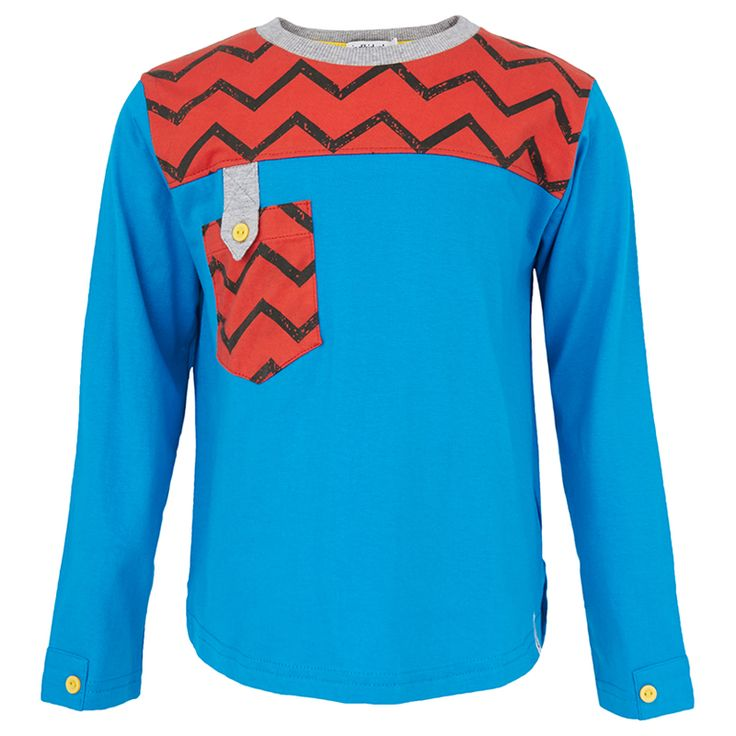 This blue and red tee from Indikidual is sure to add a splash of colour to your child's wardrobe. The cotton layer features contra