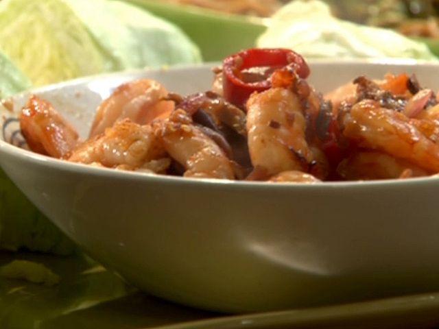 Hot 'N Sweet Shrimp Lettuce Wraps recipe from Rachael Ray via Food Network