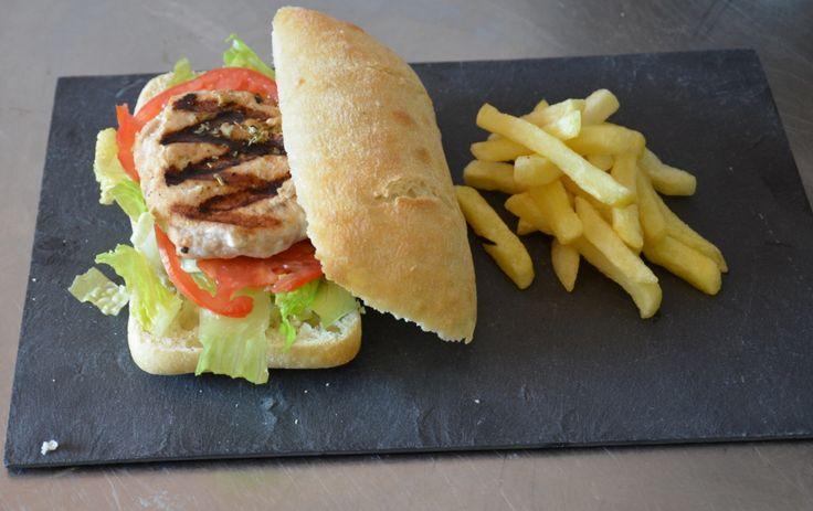 Hamburguesa de salmón gourmet