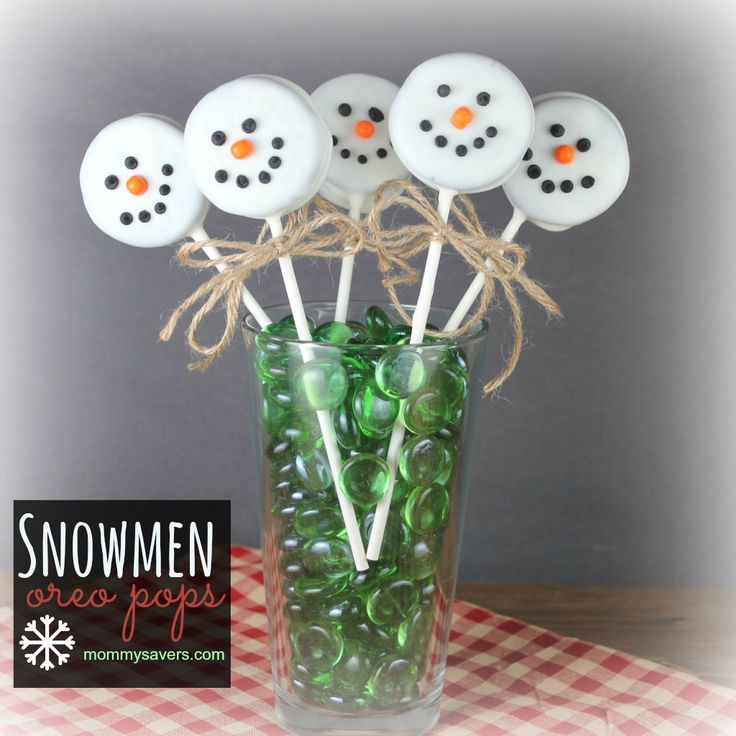 snowmen oreo pops - I think I'll make 30 of these for Madison's class and dance class.