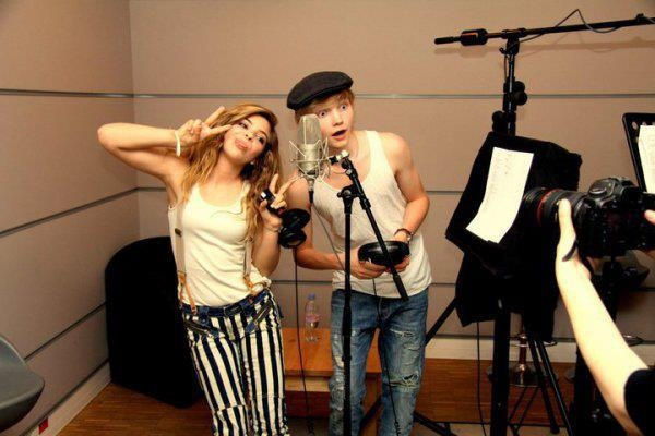 Caroline Costa and Ulrik Munther:)