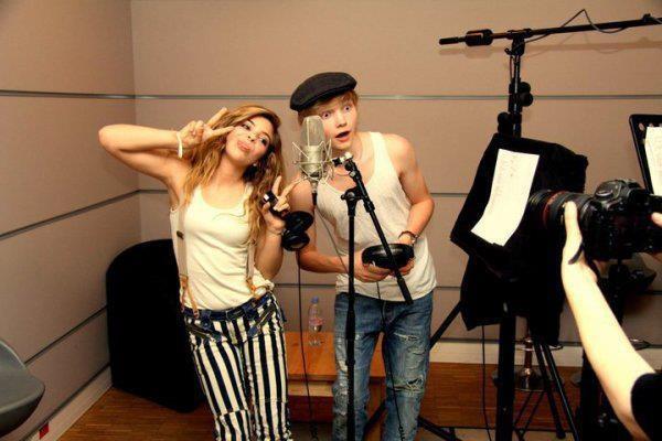 Caroline Costa and Ulrik Munther:)