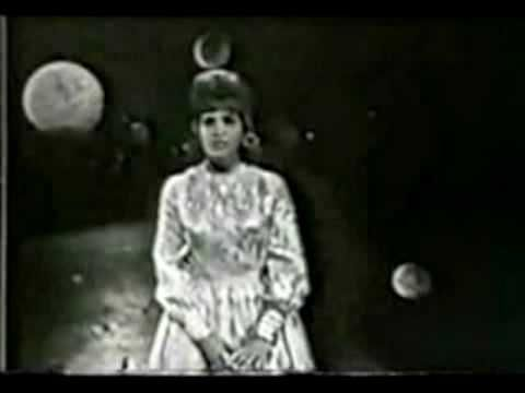 "Skeeter Davis sings ""The End of the World"" live at the Star Route Show in 1963.  This song has been a #2 country and pop hit, a #1 Adult Contemporary Easy Listening hit and #4 hit on Billboard's rhythm and blues (R) chart. Something nobody has ever achieved before! The lyrics were written by Syliva Dee and the music by Arthur Kent.    Lyric:  ..."
