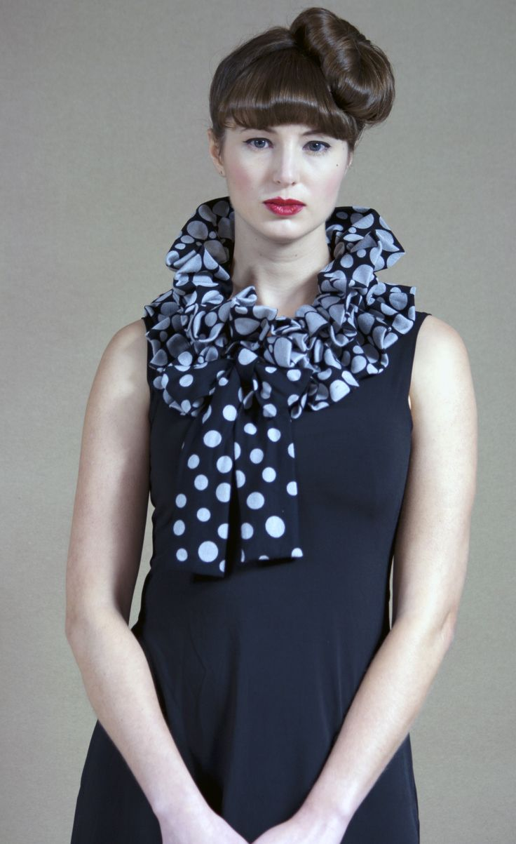 Pearl Necklace Scarf
