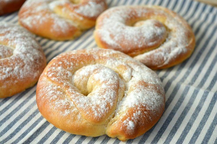 Ellouisa: Ensaimadas - Spaanse opgerolde zoete broodjes