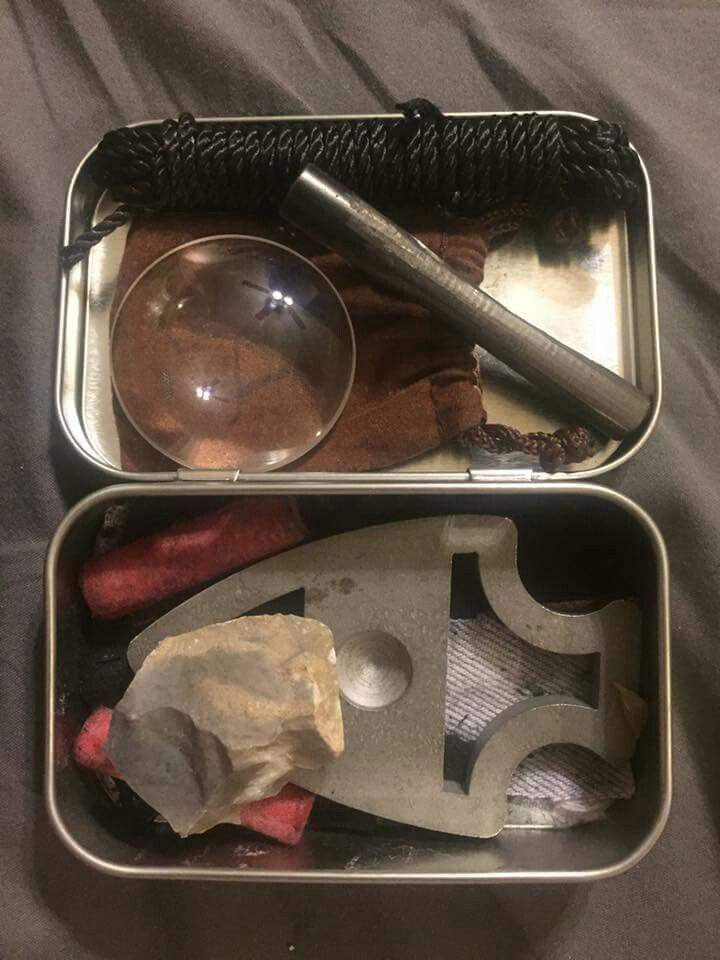 A compact but complete fire kit