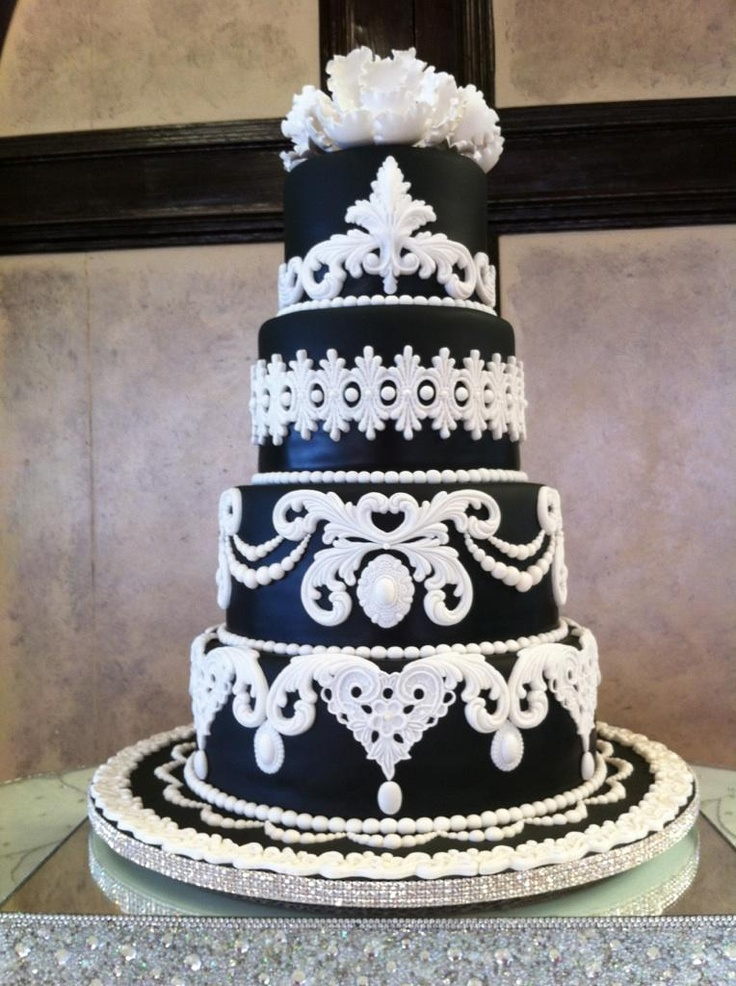 lace cutters for wedding cakes the sweet southern created this stunning cake using 16681