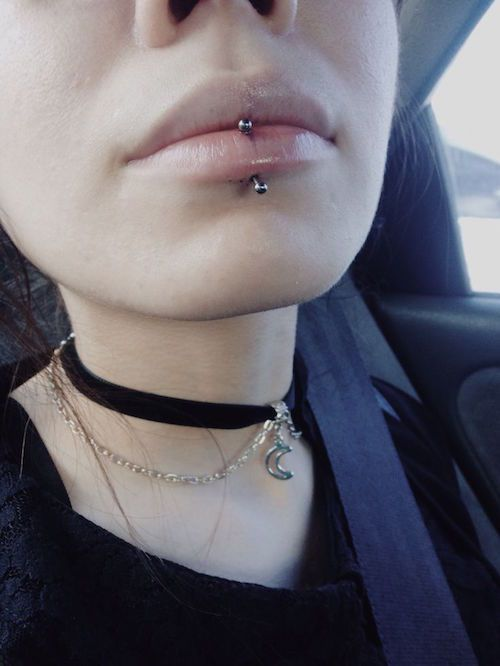 labret piercing 00039