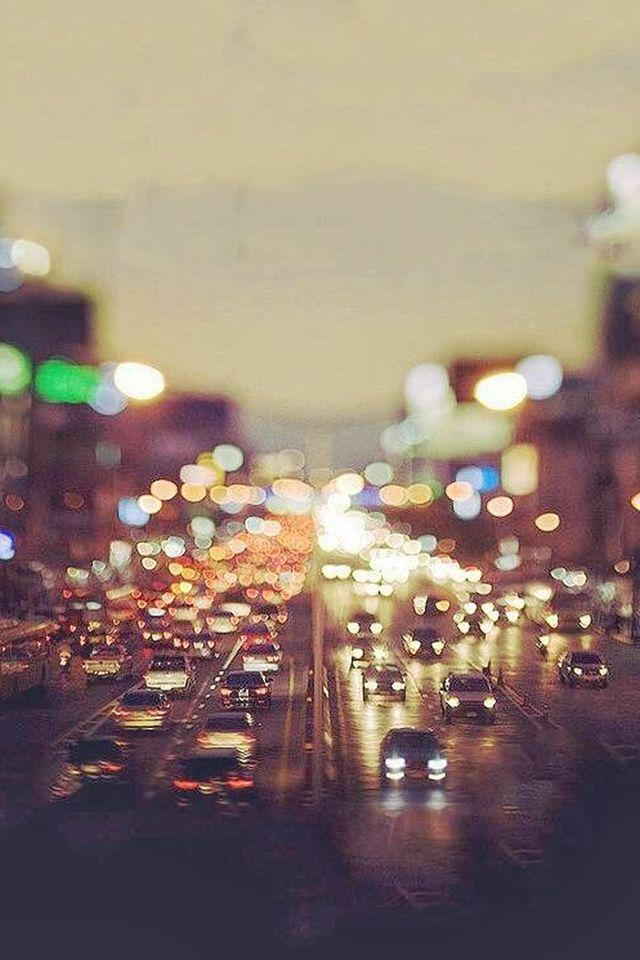 City Traffic Evening Tilt Shift #iPhone #4s #wallpaper