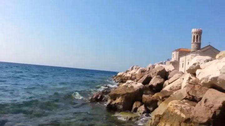 Отличное место для отдыха. Теплое море, небольшой уютный городок, сохранившийся с древних времен. Все красиво и дешево. Понятный язык, добрые и отзывчивые люди. Хороший климат, видео отснято во второй половине сентября.