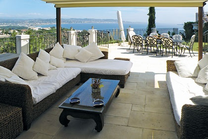 Overlooking the Bay of Cannes is Villa La Sarriette in Theoule Sur Mer - Cote d'Azur. http://www.jamesvillas.co.uk/cote-dazur/theoule-sur-mer/la-sarriette-7729/