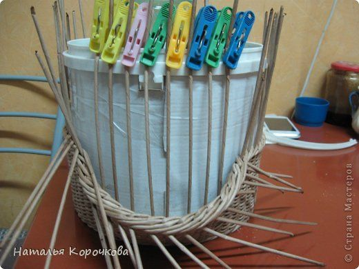 Поделка изделие Плетение Домики для лука с подробностями Трубочки бумажные фото 10