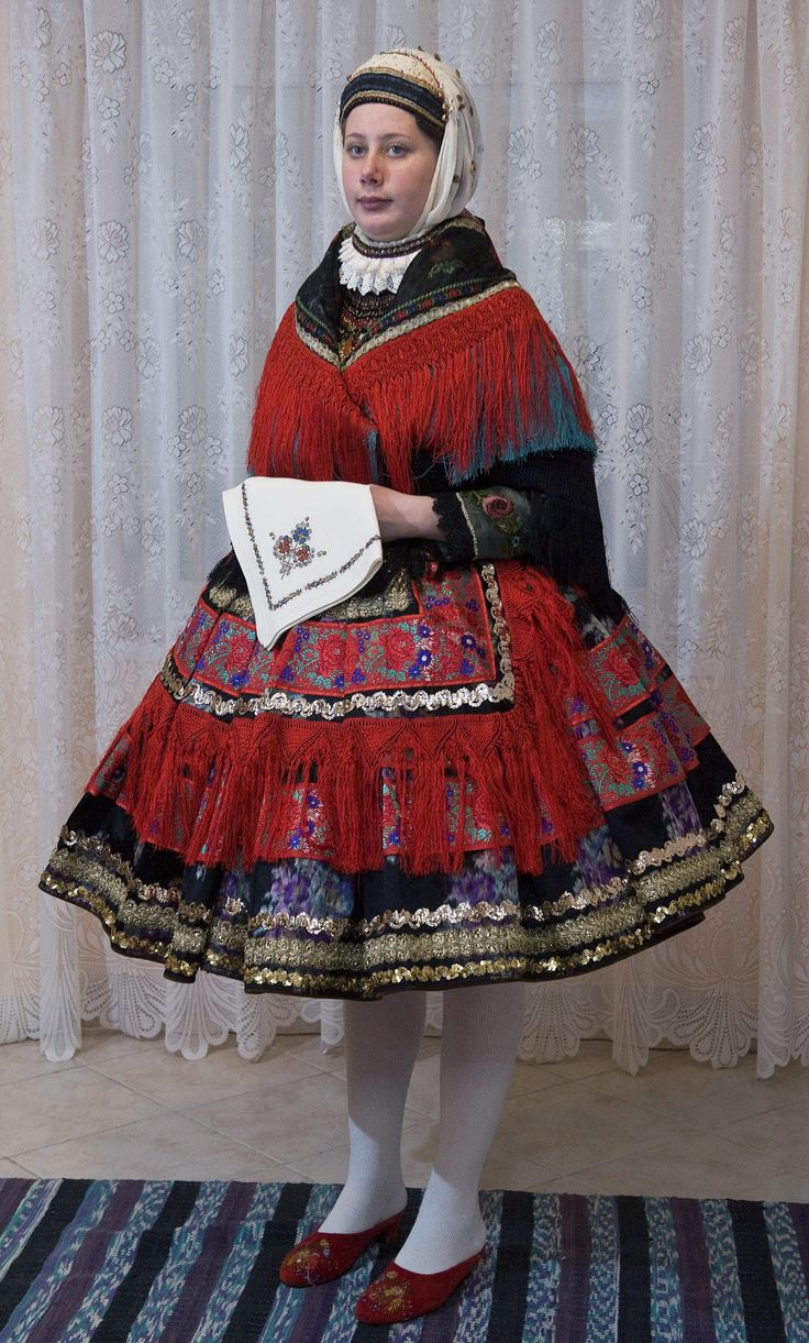 247 best Hungarian traditional dress images on Pinterest ...
