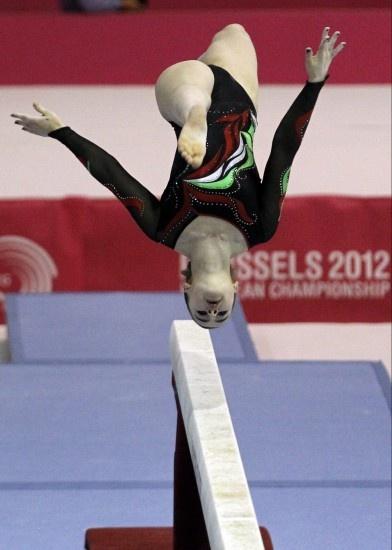 Campeonatos de Europa de gimnasia artística femenina  La italiana Carlotta Ferlito realiza su ejercicio de barra :33