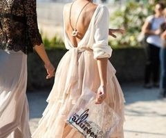 lovely dress and cool way to wear necklace