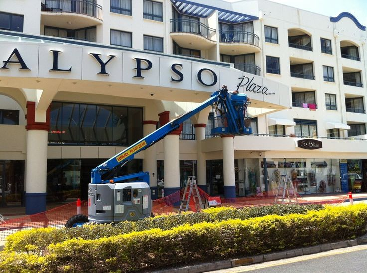 Commercial Painting Gold Coast | Commercial Painters  WAKEFIELD PAINTING SYSTEMS  CHRIS:  Email: Chris@wakefieldpainting.com.au 0408 887 097  SIMON  Email: simon@wakefieldpainting.com.au 0407 134 186  Servicing all areas from Yatala to Coolangatta  2/27 Township Drive Burleigh Heads Gold Coast QLD 4220