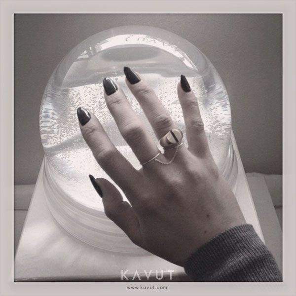 MAISON MARGIELA FINE JEWELRY Chevalière Yellow Gold Split Ring & SASKIA DIEZ Rose Gold Double Wire Ring