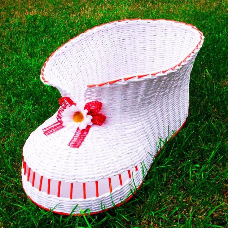 El zapato tejido con periodicos. Parte 3.