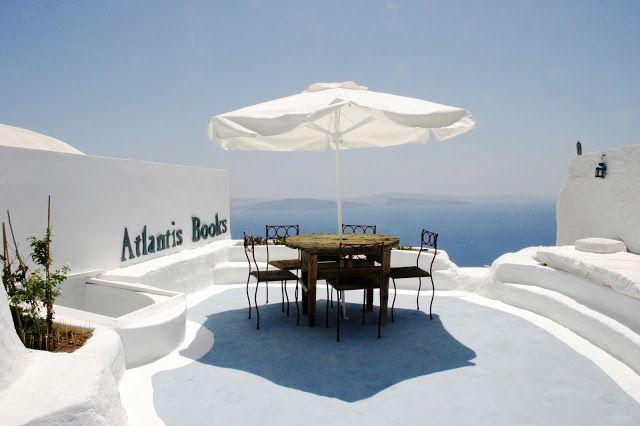 Travel Blogger Indonesia - Jalan2Liburan: Toko Buku Atlantis di Santorini, Salah Satu Toko Buku Tercantik Dunia