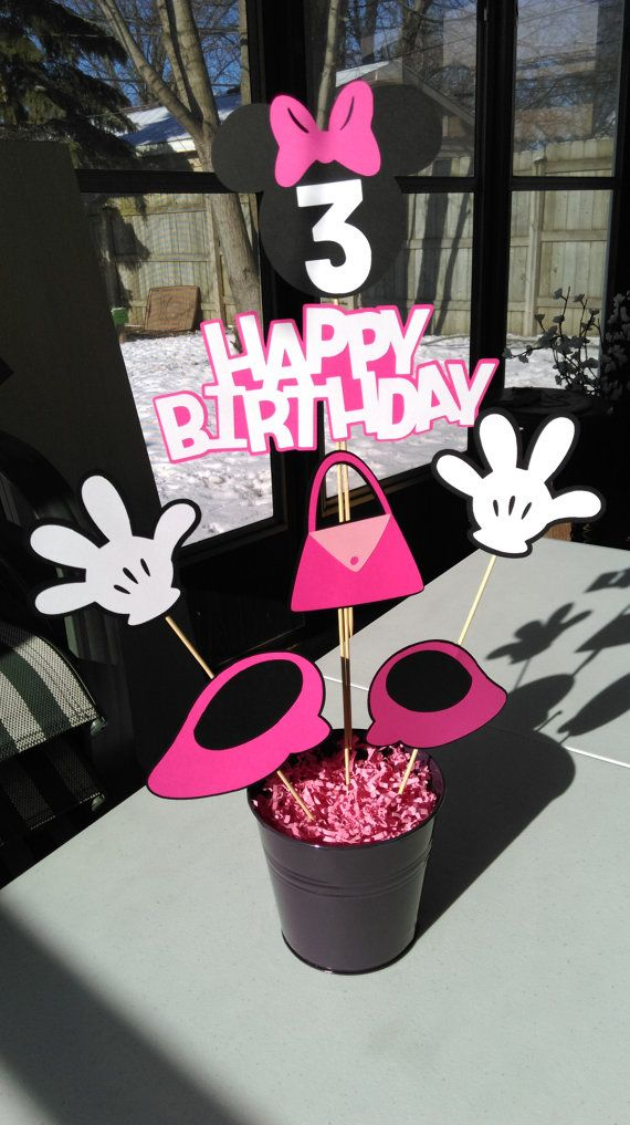 Minnie Mouse Centerpiece, Hands, Shoes, Purse, Happy Birthday, Minnie Mouse, Age, Party Decorations