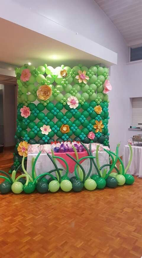 974 best balloon walls back drops images on pinterest for Balloon decoration on wall for birthday
