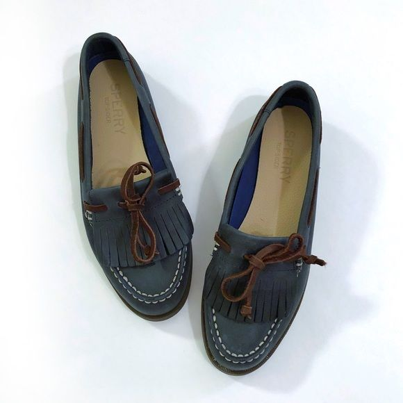 Women's Sperry Blue Brown boat shoes size 7 Flats & Loafers