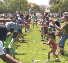 Picnic Games - Water Balloon Toss