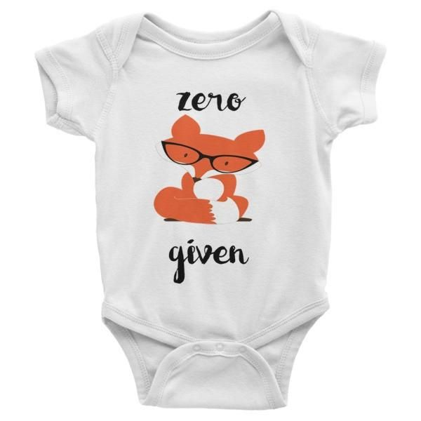 This popular Fox baby onesie makes the perfect Baby Shower Gift! This short-sleeve baby onesie is soft, comfortable, and made of 100% cotton. It's designed to f