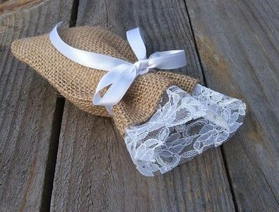 burlap and lace favor bags                                                                                                                                                                                 More