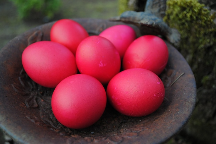 In Greece easter eggs are dyed red and ice cream is blended with Tsoureki! #kayak_inspiration #kayak_icecream #icecream
