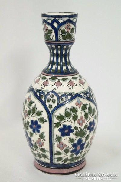Régi Zsolnay váza perzsa dekorral