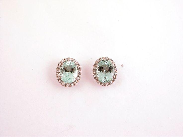 Earrings - Sea. 18 carat gold (kt),white gold,7.00 grams (gr).40 diamonds,brilliants cut 0.40 carat (ct)(H colour VVs clarity).2 aquemarine, 7.00 carat (ct).Oval Size: 1.50 cm X 12.50 cm (Italy).Codex: TISS.ss.