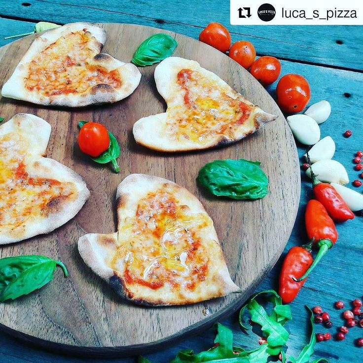 Talk about being cheesy... Sunday just got better with melting hearts!  @luca_s_pizza  @thejoglo  #food #bali #holiday #thejoglo #traveling #wanderlust #globetrotter #travel #travelblogger #flatlays #flatlay #flatlayoftheday #lunch #yummy #acolorstory #foodlover #tumblr #foodforfoodie #style #foodie #foodblogger #madeswarung #lucapizza #like4like #likeforlike #l4l #thebalibible #tagforlikes #followforfollow
