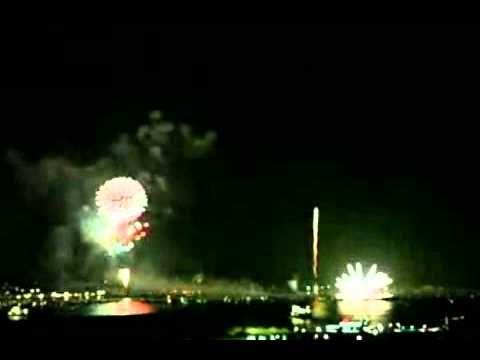 Kembang Api, pesta kembang api tahun baru yang sangat meriah yang dapat anda saksikan secara live di negara jepang. kembang api merupakan sebuah pesta yang l...
