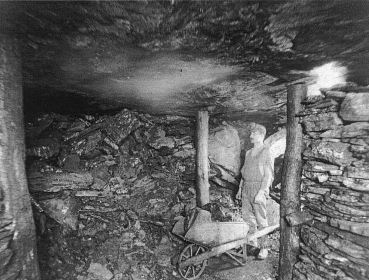 Mining In The Flat Lying Coal Beds Near Scranton Courtesy