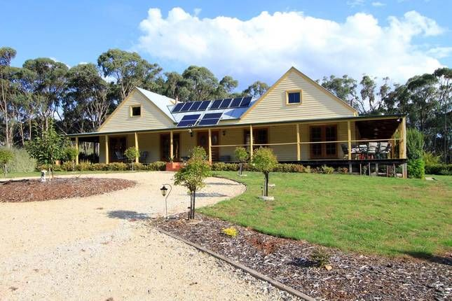 Mcananly Homestead | Beechworth, VIC | Accommodation - good size and close to Beechworth.