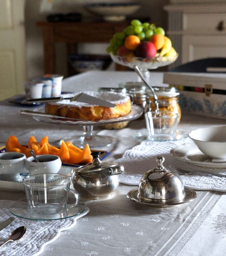 Look the beautiful light, that had the breakfast table this morning. #B&B #Italy