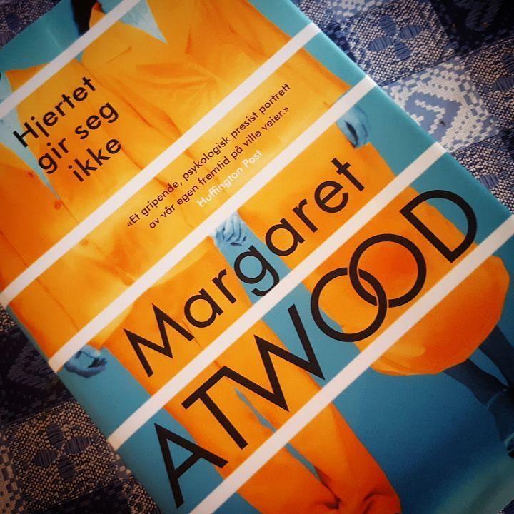 Ny bok i posten  Hjertet gir seg ikke av Margaret Atwood. Denne gleder jeg meg til å lese  #margaretatwood #hjertetgirsegikke #bookstagram #bøker #bøkeriposten