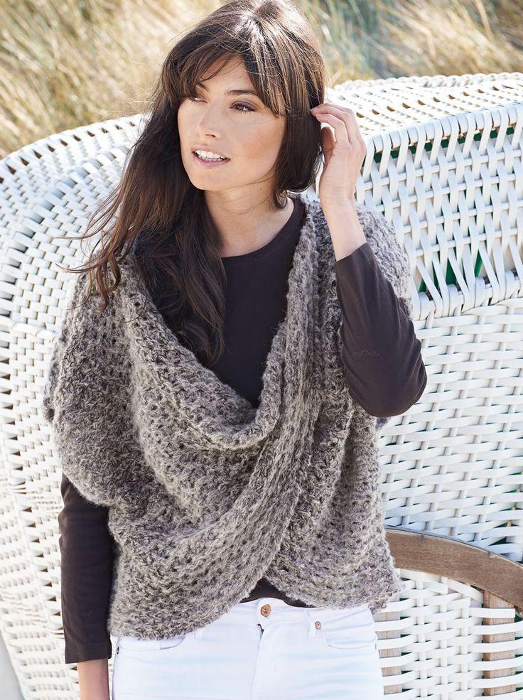 Lana Grossa CAPE IM LOCHMUSTER Garzato Fleece uni/Lace Pearls Degradè - FILATI No. 48 (Herbst/Winter 2014/15) - Modell 24   FILATI.cc WebShop